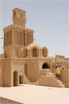 This is a wind tower in Yazd, Iran. Also called a windcatcher or Badgir in Farsi, wind towers create natural ventilation in buildings and are traditional Persian-influenced architecture throughout the Middle East. by Vincos Persian Architecture, Vernacular Architecture, Ancient Architecture, Amazing Architecture, Art And Architecture, Abu Dhabi, Paises Da Africa, Dubai, Teheran