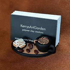 Café Shoppe polímero arcilla tarjetero por KerrysArtGarden en Etsy