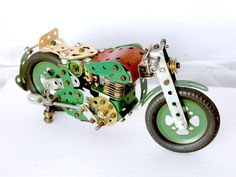 Meccano motorcycle by Gerald Hart