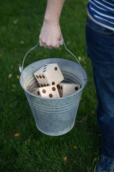 Here is an easy DIY to super-size one of your favorite board games to yard-game status. We are making a giant set of dice for a game of DIY Yard Yahtzee. Diy Yard Games, Lawn Games, Diy Games, Backyard Games, Backyard Patio, Backyard Barbeque, Backyard Projects, Party Games, Yard Yahtzee