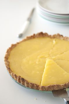 » Tarte citron coco | Clea cuisine No Cook Desserts, Lemon Desserts, Dessert Recipes, Sweet Pizza, Sweet Recipes, Vegan Recipes, Cooking Time, I Foods, Coco