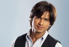 Sahid Kapoor | ... Film features Shahid Kapoor and Sonakshi Sinha are the lead roles