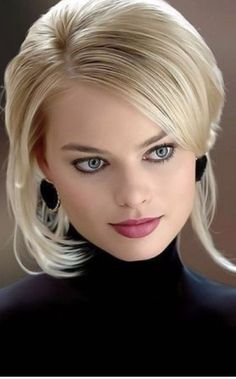 Margot Robbie is a talented artist and very popular among fans. Margot Robbie photo gallery with amazing pictures and wallpapers collection. Beautiful Eyes, Most Beautiful Women, Photo Glamour, Portrait Photos, Margo Robbie, Margot Robbie Hot, Actress Margot Robbie, Woman Face, Pretty Face