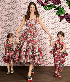 Dolce and Gabbana, summer 2017,''Mini Me'' Mom And Baby Outfits, Matching Family Outfits, Kids Outfits, Mom Dress, Baby Dress, Mother Daughter Fashion, Mom Daughter, Dolce And Gabbana Kids, Europe Style