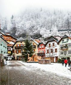 Winter wonderland in Hallstatt Photo by Explore. Travel Images, Travel Photos, Winter Love, Travel Abroad, Winter Wonderland, The Good Place, Places To Go, Beautiful Places, Destinations