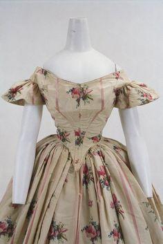 Evening dress ca. 1860 From the Bunka Gakuen Costume Museum