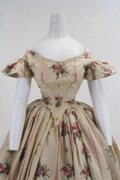 Evening dress ca. 1860 From the Bunka Gakuen Costume Museum