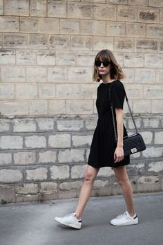 How to style a black dress? Everybody loves a little black dress, and it can be said that everyone looks great on one. Whether you go for a long or short black dress, a low or high heel, the darker co. Dress And Sneakers Outfit, Black Jeans Outfit, Dress Black, Sneaker Outfits, Overalls Outfit, Casual Black Dress Outfit, Black Sundress, Simple Black Dress, White Jeans