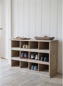 <p>Large Chedworth Shoe Locker</p>