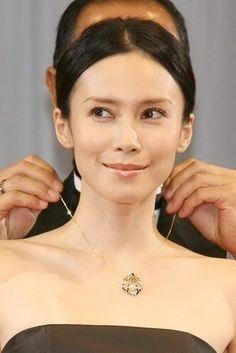 神秘的な美しさ!中谷美紀さんの魅力☆ の画像|北海道 札幌ナチュラルメイク教室