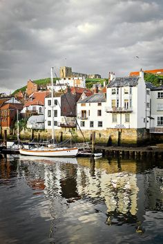 my sister husband and I went to Whitby, we loved it. Whitby England, Oxford England, Yorkshire England, Yorkshire Dales, North Yorkshire, Cornwall England, London England, Cool Places To Visit, Great Places