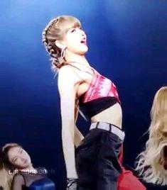 Black Pink Songs, Black Pink Kpop, Kpop Girl Groups, Kpop Girls, Jessi Kpop, Dua Lipa Concert, Pink Movies, Cute Kiss, Dance Kpop