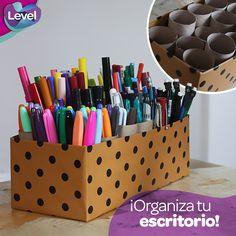 ¿Harta de tener lápices, plumas y plumones tirados por todos lados?  Tenemos una súper idea para darle un uso diferente al tubo de cartón de tu papel Level y puedas organizar tu escritorio.