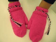 Kaarisillan käsityö: lapaset Gloves, Winter, Fashion, Winter Season, Moda, Fashion Styles, Fasion, Mittens, Fashion Illustrations