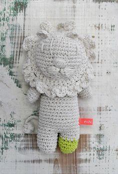 Miga de Pan's crochet lion
