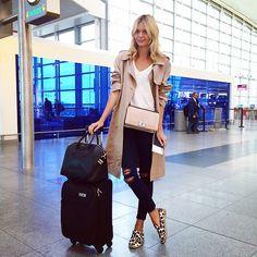 たくさん歩くからぺたんこ靴がマスト◎海外女子に学ぶ❤︎旅行用ファッション アイデア♬