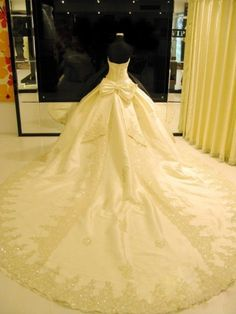 MZ0075 Luxury Ball Gown Strapless Cathedral Train Wedding Dresses with Appliques and Sequins 2014 New Arrivals $269.89