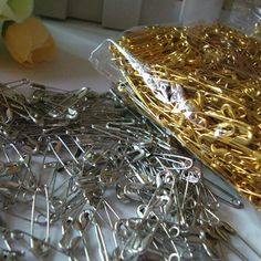 100 Pcs Gold Silver Small Safety Pins DIY Mini Buckle Pin Clothes Stainless Steel Tool Needles Accessories for Needlework Sewing Safety Pins, The Beauty Department, Broken Zipper, Silver Brooch, Cheap Jewelry, Body Jewelry, Jewellery, Jewelry Findings, How To Dry Basil