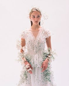 Some of the most intimate designer and photographer pairings include Versace and Avedon, Alexander McQueen and Ann Ray, and Rodarte and Autumn de Wilde. Romantic Woman, One Fine Day, Character Costumes, Hair Pieces, Pretty Dresses, Veil, Dream Wedding, Photos, Fashion Outfits
