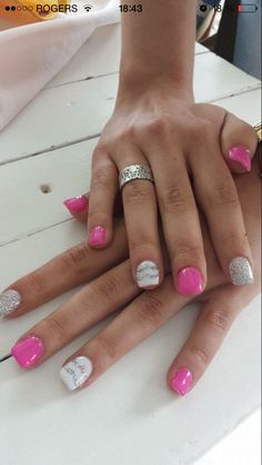 Nails pink and silver