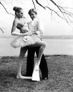 Mikhail Baryshnikov and 17-year Uma Thurman \\ 1987, photographer - Arthur Elgert