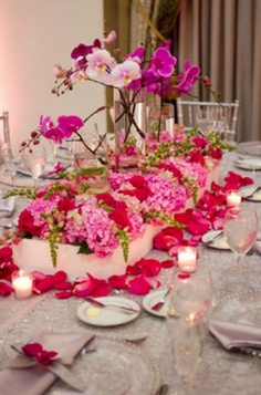 love this color palette and table display