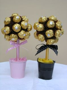 Mini Ferrero Trees Chocolate Navidad, Chocolate Gifts, Bouquet Box, Candy Bouquet, Chocolate Flowers, Chocolate Bouquet, Valentine Special, Valentines, Craft Gifts