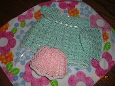 Little Green Outfit & Hat for Preemies free crochet pattern