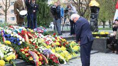 Canciller alemán, Frank-Wlater Steinmeor, en Monumento a los Héroes del Ghetto
