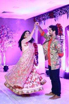 Indian Wedding Photos, Wedding Couple Photos, Cute Couple Pictures, Wedding Images, Wedding Couples, Cute Couples, Wedding Couple Poses Photography, Wedding Picture Poses, Indian Wedding Photography
