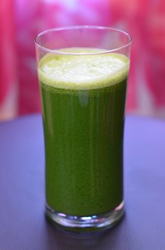 Power Up: Green Juice For Beginners!  This is my husband's magical green juice recipe -- I'm in love with it!