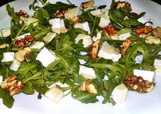 Rukkola saláta dióval és camembert sajttal Izu, Seaweed Salad, Ethnic Recipes, Food, Essen, Meals, Yemek, Eten