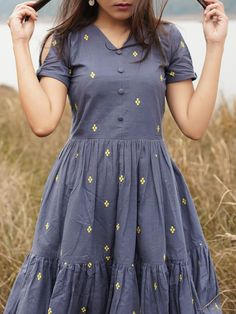 Frock Fashion, Indian Fashion Dresses, Girls Fashion Clothes, Fashion Outfits, Casual Outfits, Fancy Blouse Designs, Stylish Dress Designs, Designs For Dresses, Simple Frocks