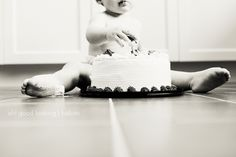 Adorable 1-year-old birthday shoot