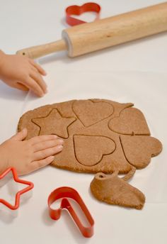 NO COOK Cinnamon ornament recipe- these ornaments smell amazing, are easy to make, and are so fun for kids!