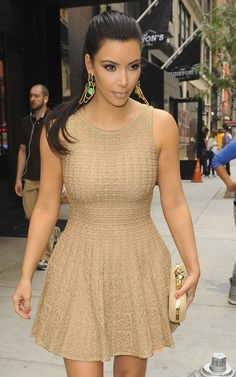 Kim Kardashian, love her dress.