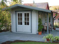 modernes Gartenhaus mit seitlichem Freisitz 1