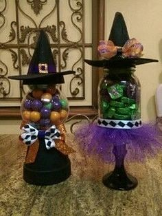 Dulceros Halloween, Halloween Projects, Holidays Halloween, Halloween Decorations, Candy Crafts, Jar Crafts, Tinkerbell, Candy Jars, Candy Dishes