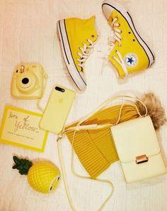 Mustard yellow aesthetic wallpaper sunflower 26 new Ideas amarillo Yellow Aesthetic Pastel, Rainbow Aesthetic, Aesthetic Colors, Summer Aesthetic, Aesthetic Vintage, Flower Aesthetic, Blue Aesthetic, Aesthetic Fashion, Style Fashion