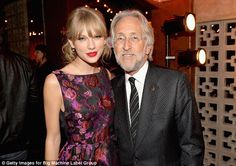 Taylor Swift Photos - Musician Taylor Swift (L) and Grammy President and CEO Neil Portnow attend the Big Machine Label Group CMA Awards after party on November 2013 in Nashville, Tennessee. - Inside the CMA Awards Afterparty Taylor Swift Cma, Party Fashion, Fashion Show, Danielle Bradbery, Cma Awards, Swift Photo, Poses For Photos, Her Music, Frocks