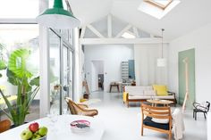 Caroline Gomez, Pastels and Colors in Bordeaux House, Living Area   Remodelista