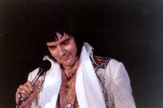 Elvis on stage october 24 1976