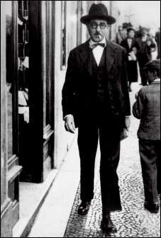 Fernando António Nogueira Pessoa (Lisboa, 13 de Junho de 1888 — Lisboa, 30 de Novembro de 1935)