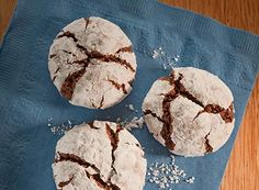 Try this Snowy Cocoa Crinkles recipe, made with HERSHEYS products. Enjoyable baking recipes from HERSHEYS Kitchens. Fall Dessert Recipes, Christmas Desserts, Christmas Baking, Holiday Recipes, Cookie Recipes, Delicious Desserts, Yummy Food, Christmas Cookies, Baking Recipes