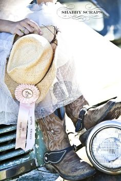 Love this cowgirl photoshoot my friend Tiffany did---> boots, vintage truck, pink ribbon, cowgirl hat, and more! so cute!