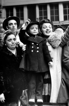 Women, men and children in Pennsylvania Station bidding farewell to servicemen during WWII. Picture: Alfred Eisenstaedt/The LIFE Picture Collection/Getty Images