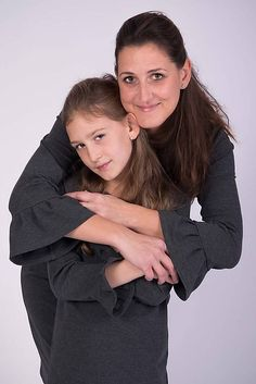 Antracitové šaty s volánom pre mamu #detskamoda#jedinecnesaty#handmade#originalne#slovakia#slovenskydizajn#móda#šaty#original#fashion#dress#modre#ornamental#stripe#dresses#vyrobenenaslovensku#children#fashion#rucnemalovane Tunics