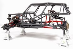 Axial Wraith-Project Wrexo - Hybrid suspension set-up with independent suspension up front and a solid axle set-up in the rear.