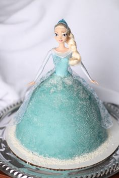 Disney Frozen Elsa Cake! This and an Anna doll cake is perfect for the girls' upcoming birthday party!