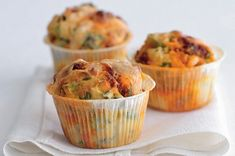Muffins with chorizo Chorizo, Breakfast, Recipes, Cakes, Party, Morning Coffee, Food Recipes, Rezepte, Pastries